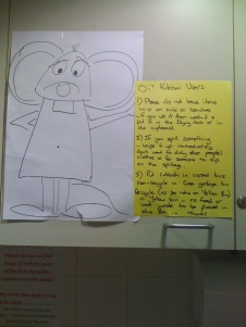 Kitchen notice with mouse picture